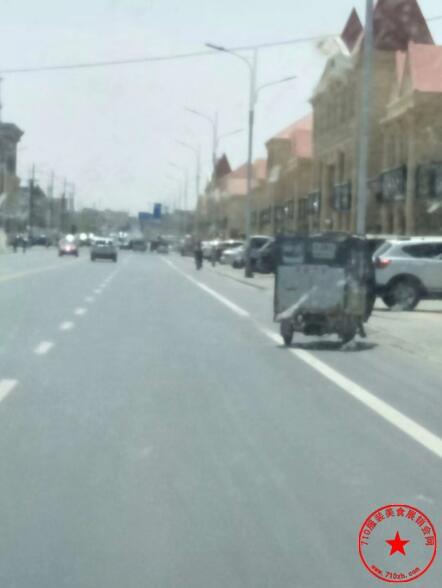 左旗大漠奇石博物馆广场街景